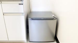 備品に小型冷蔵庫を追加しました