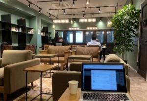 新宿三丁目駅から30秒!隠れ家的コワーキングスペース「The Hub 新宿」の体験レポート