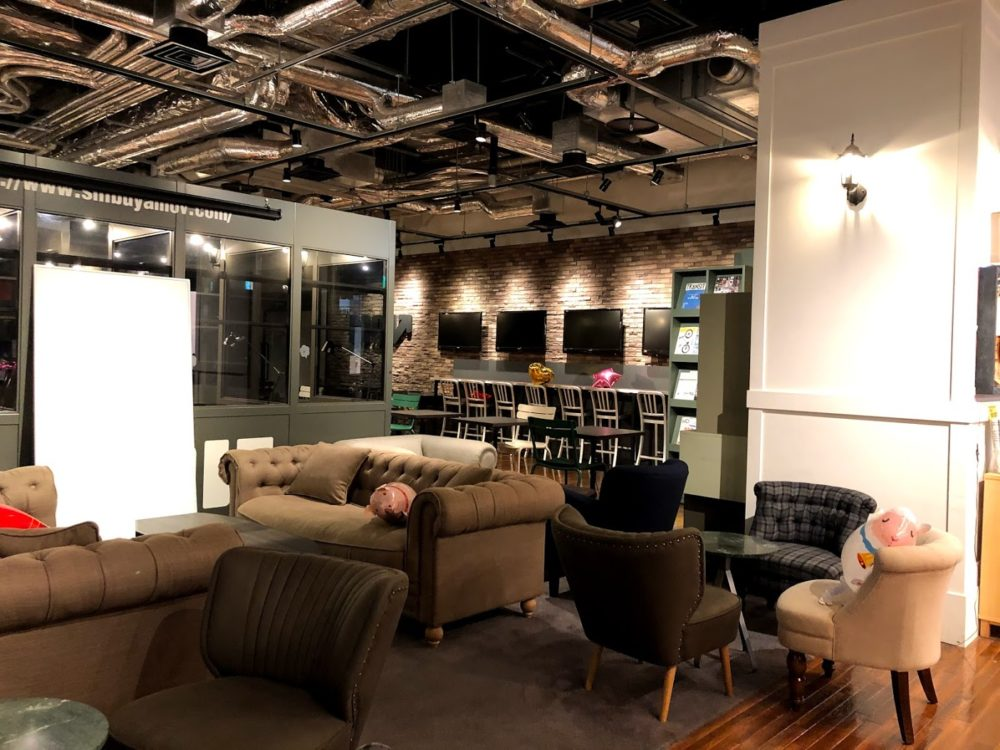 Creative Lounge MOVはヒカリエ内のコワーキングスペース