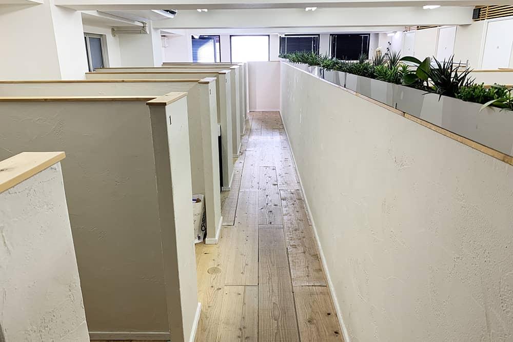 HAPON 新宿の個室ブース