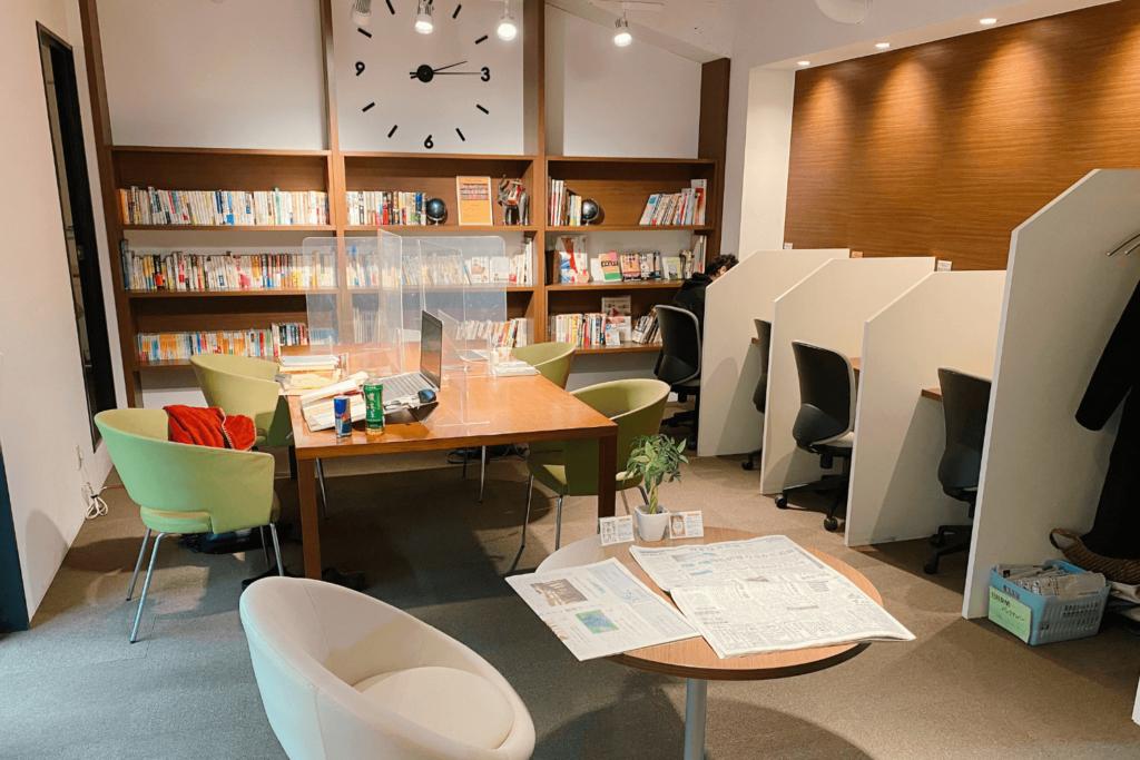 勉強カフェ 横浜関内スタジオは関内駅から徒歩2分の会員制勉強スペース