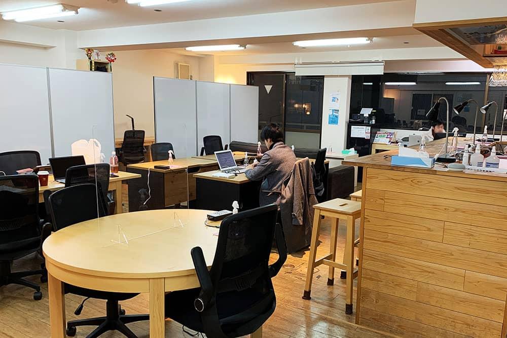 GARAGE WASEDA(ガレージ早稲田)は学生の多いコワーキングスペース