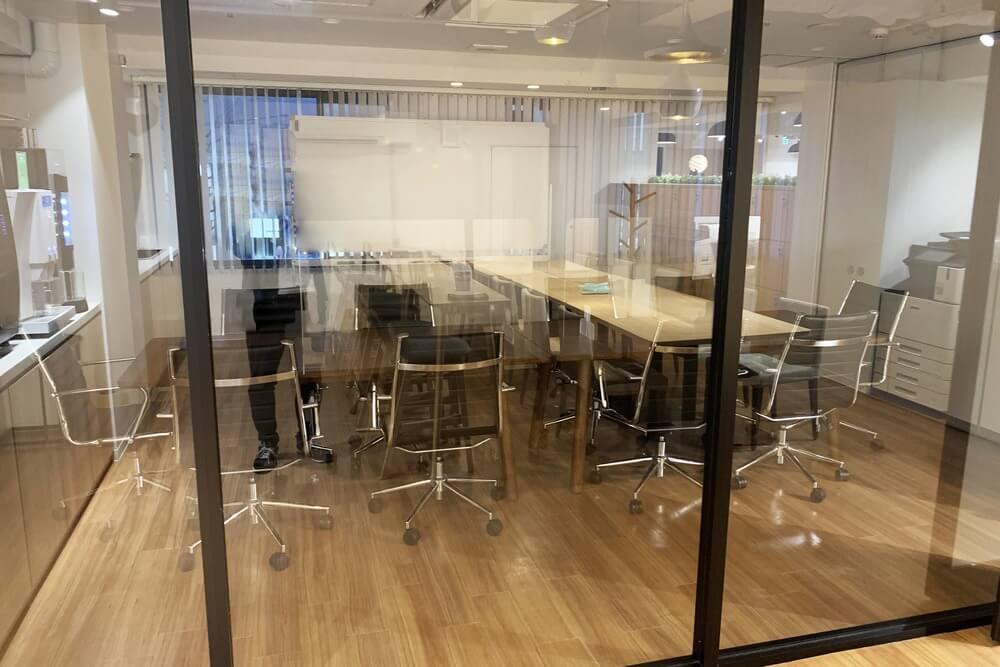 Workmediの会議室